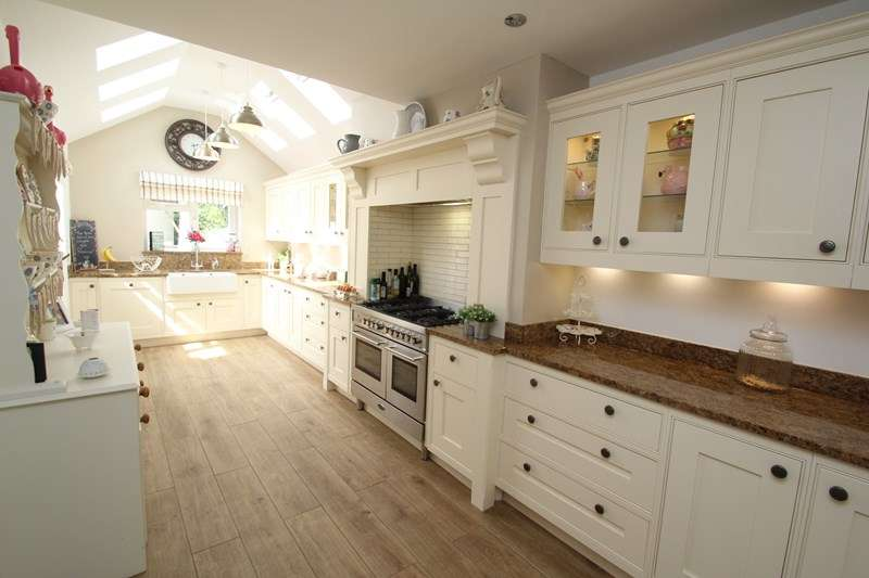 4 Bedrooms Detached House for sale in Murray Close, Fareham