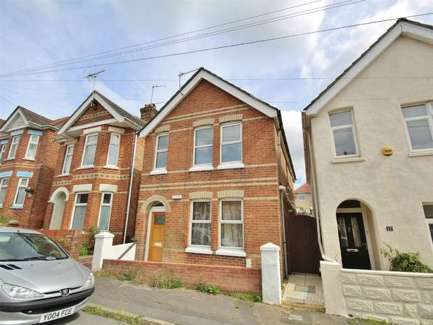3 Bedrooms Detached House for sale in Lyell Road, Parkstone, POOLE, Dorset