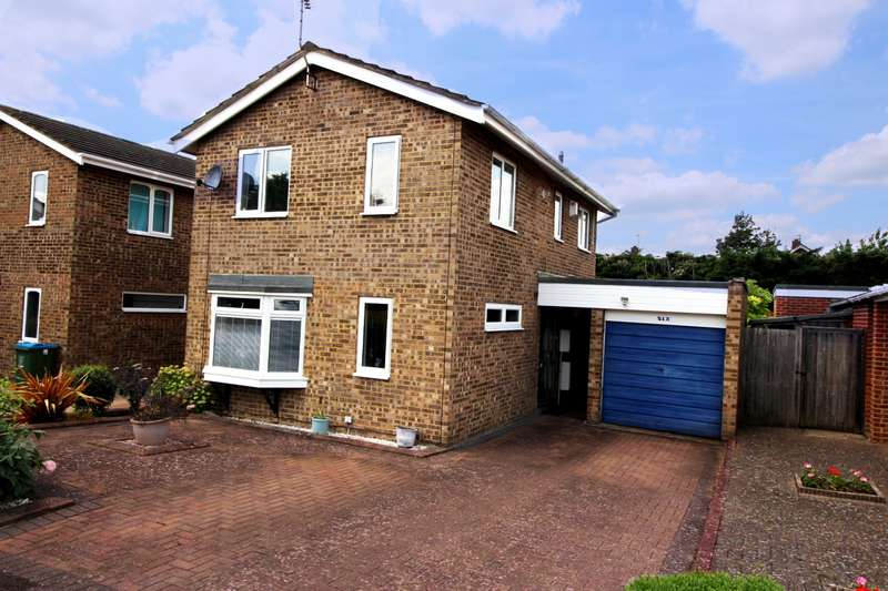 3 Bedrooms Link Detached House for sale in Wynford Green, Aylesbury, HP21