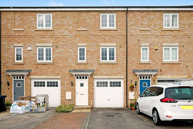 3 Bedrooms Terraced House for sale in Redshank Close, Soham, Ely, Cambs, CB7 5FG