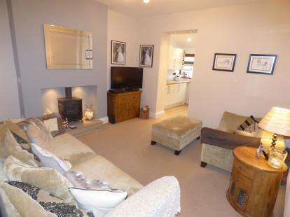 2 Bedrooms Terraced House for sale in Richmond Street, Burnley, Lancashire