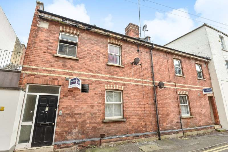 4 Bedrooms Terraced House for sale in Town Centre