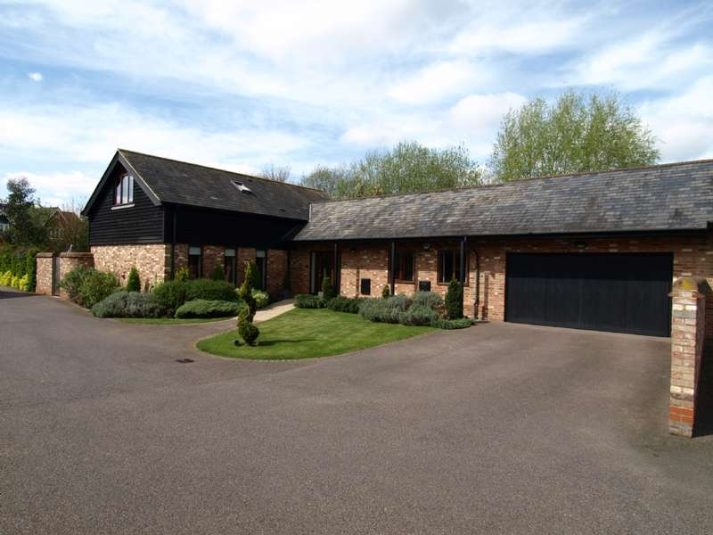 4 Bedrooms Barn Conversion Character Property for sale in Moat Farm Barn, Marston Mortaine