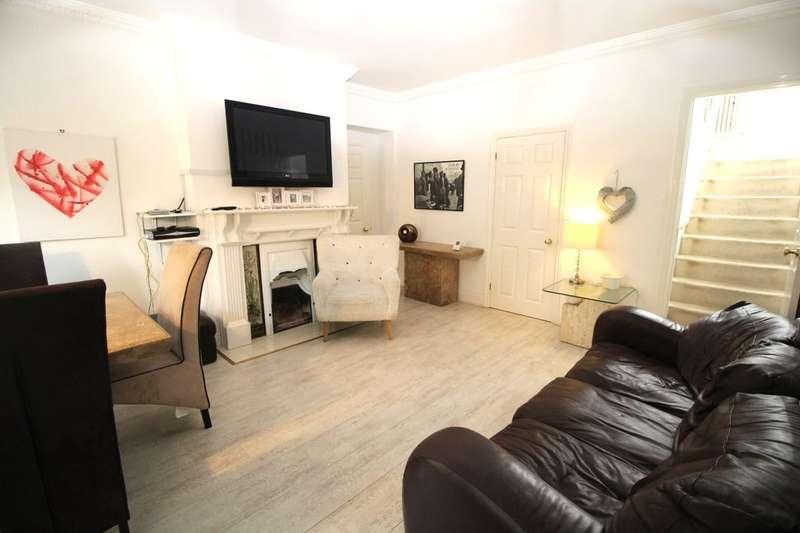 2 Bedrooms Semi Detached House for sale in Grange Lane, Whickham, Newcastle Upon Tyne, NE16