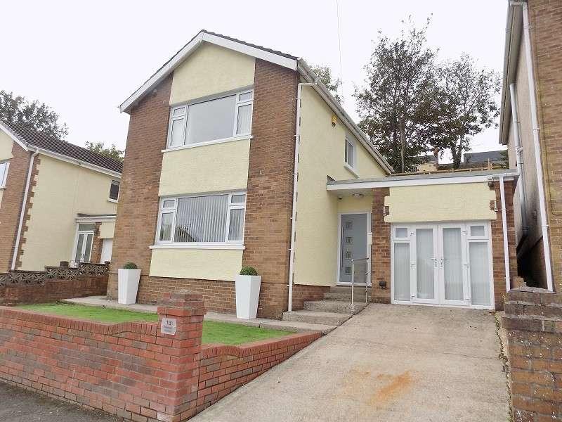 3 Bedrooms Detached House for sale in Pascoes Avenue, Bridgend. CF31 4PQ