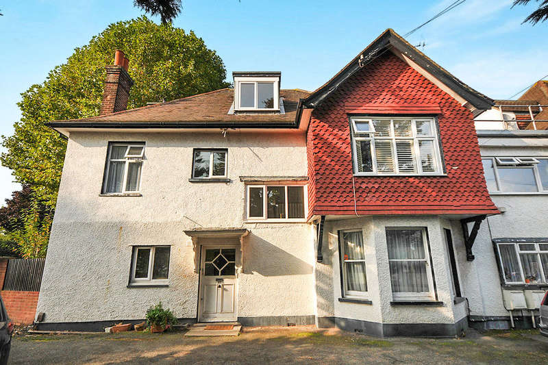 2 Bedrooms Flat for sale in London Lane, Bromley, BR1