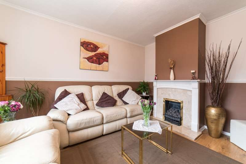4 Bedrooms Property for sale in Churchill Road, Langley, Berkshire, SL3