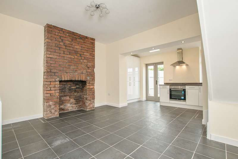 3 Bedrooms Terraced House for sale in East Usk Road, Newport, NP19