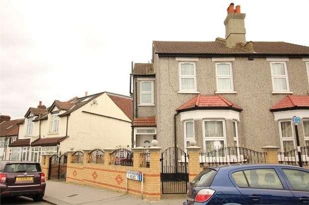 3 Bedrooms Semi Detached House for sale in Bensham Lane, Thornton Heath, Surrey