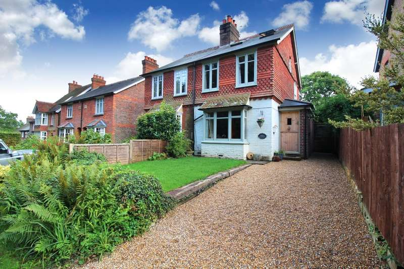 3 Bedrooms Semi Detached House for sale in Hermongers Lane, Rudgwick