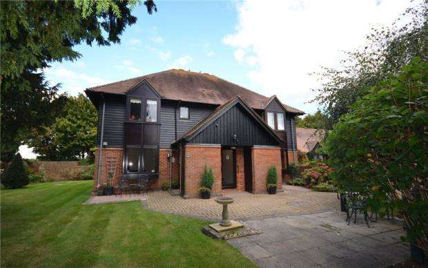 1 Bedroom Retirement Property for sale in Palace Gate, Odiham, Hook
