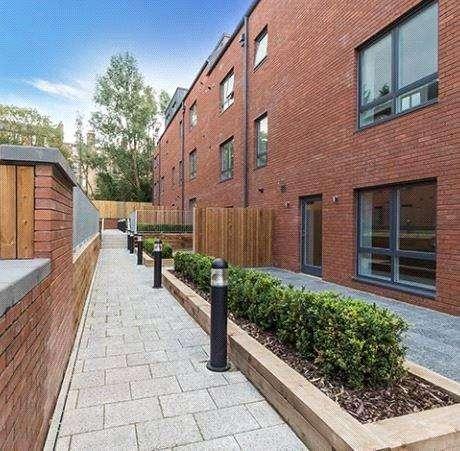 3 Bedrooms Apartment Flat for sale in C1, Shandon Gardens, 4 Weston Gate, Edinburgh, Midlothian