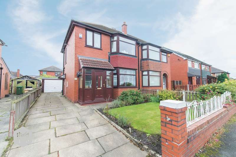 3 Bedrooms Semi Detached House for sale in Corrie Crescent, Kearsley, Bolton, BL4
