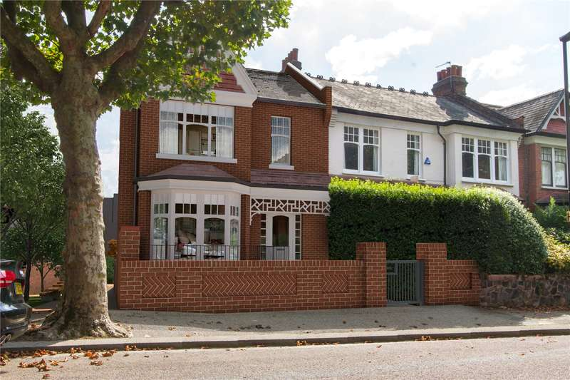 4 Bedrooms House for sale in The Gate House, Grand Avenue, London, N10