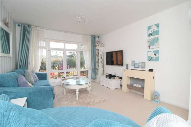 2 Bedrooms Flat for sale in Furzecroft, Percy Avenue, Ashford, Middlesex