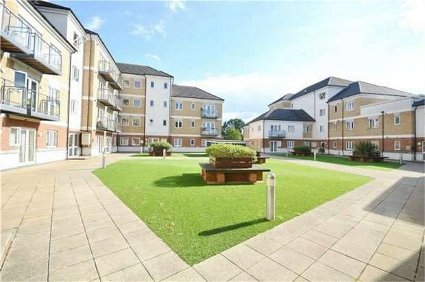 1 Bedroom Flat for sale in Ley Farm Close, Watford, Hertfordshire