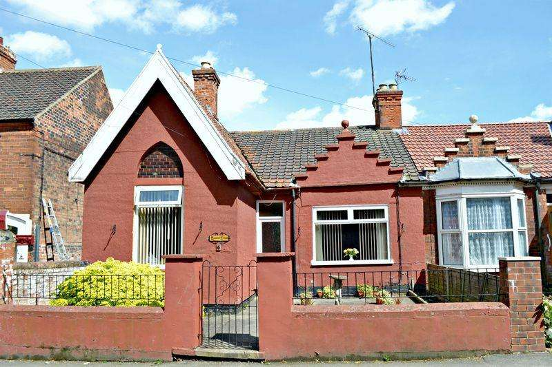 3 Bedrooms Semi Detached Bungalow for sale in Queens Avenue, Barton-Upon-Humber