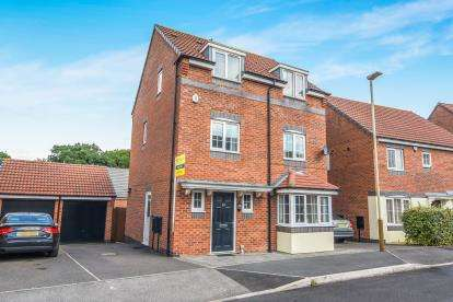 5 Bedrooms Detached House for sale in Stillington Crescent, Hamilton, Leicester