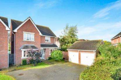 4 Bedrooms Detached House for sale in Beaumont Road, Flitwick, Bedford, Bedfordshire