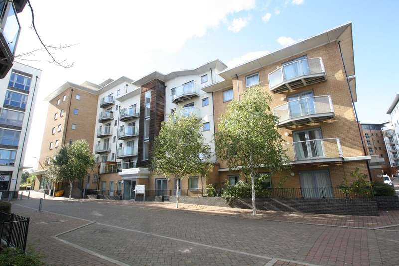 2 Bedrooms Flat for sale in Caelum Drive, Colchester