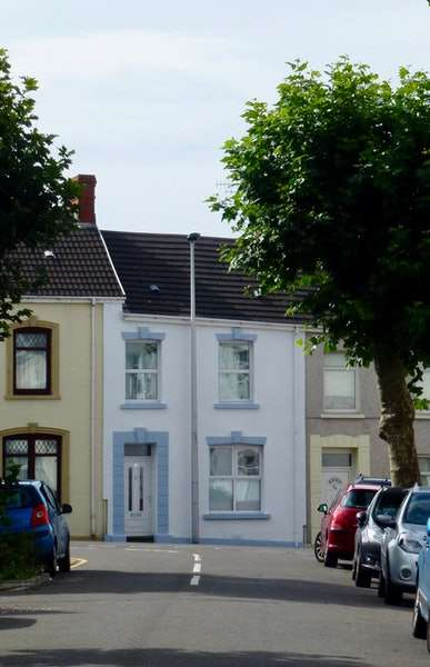 3 Bedrooms Terraced House for sale in Marble Hall Road, Llanelli, Carmarthenshire, SA15
