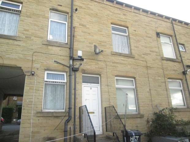 2 Bedrooms Terraced House for sale in Harriet Street, Bradford, BD8