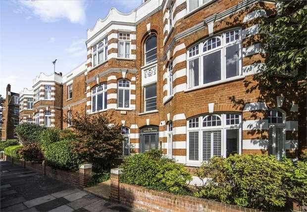 2 Bedrooms Flat for sale in Castelnau Gardens, London