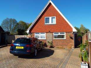 4 Bedrooms Bungalow for sale in Greenfields, Maidstone, Kent