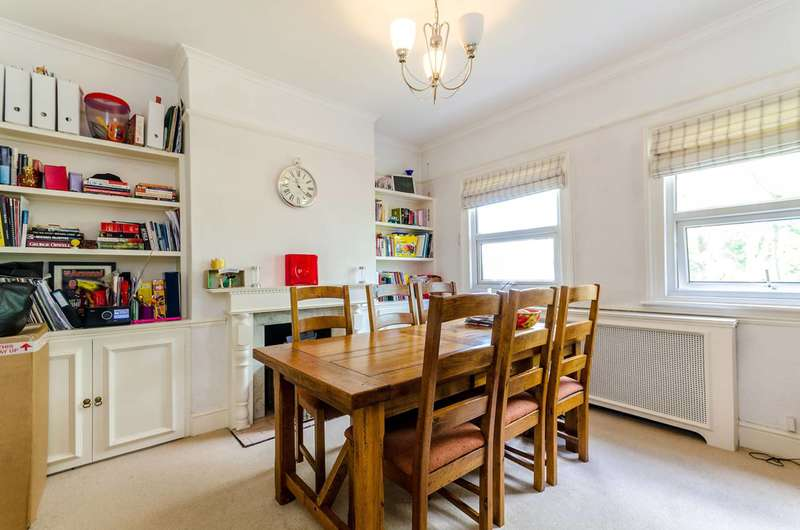 2 Bedrooms Maisonette Flat for sale in Cleaveland Road, Surbiton, KT6