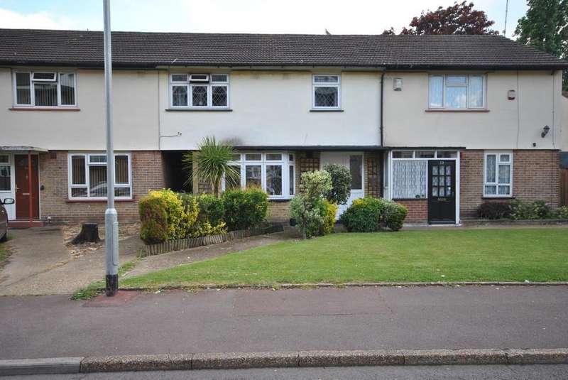 3 Bedrooms Terraced House for sale in Kershaw Road, Dagenham