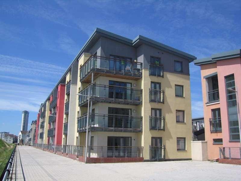 2 Bedrooms Flat for sale in Fishermans Way, Maritime Quarter, SWANSEA