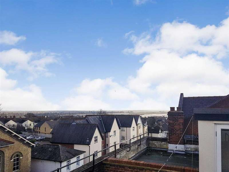 3 Bedrooms Apartment Flat for sale in King Georges Place, Maldon