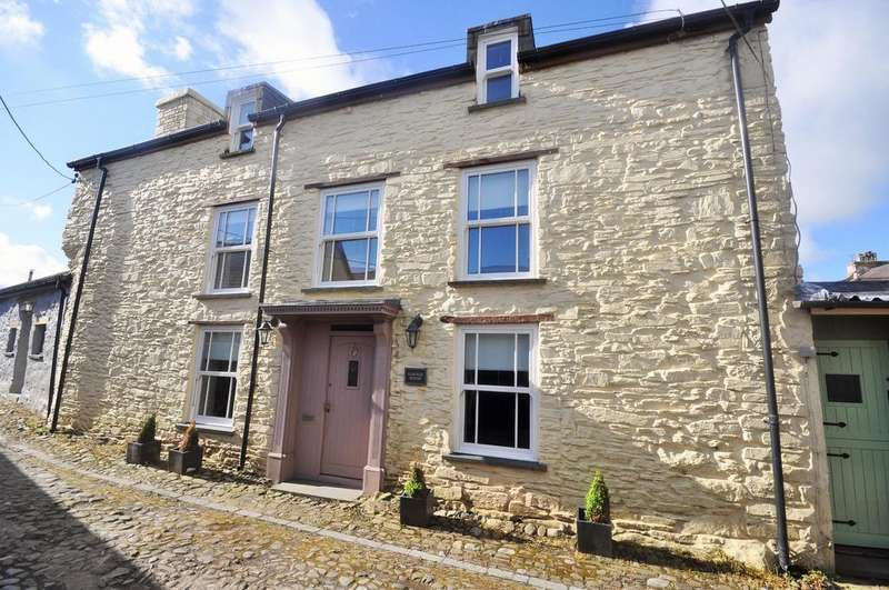 4 Bedrooms Terraced House for sale in Garage House, Market Lane, Laugharne SA33 4SB