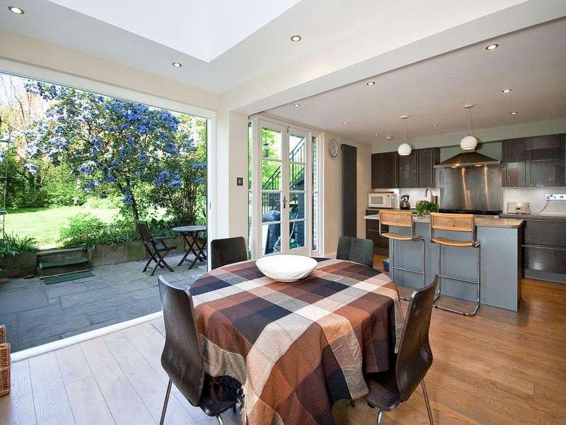 2 Bedrooms Flat for sale in SUTHERLAND AVENUE, MAIDA VALE, LONDON