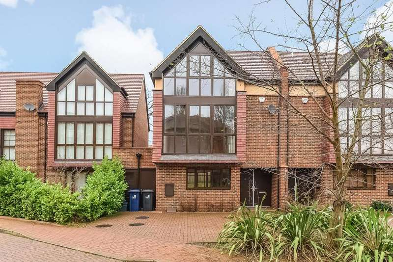 4 Bedrooms Semi Detached House for sale in Phillimore Gardens, Acton