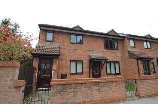 1 Bedroom Maisonette Flat for sale in Epsom Road, Croydon, Suurey