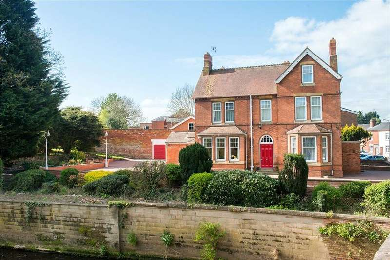 6 Bedrooms Town House for sale in Henley Street, Alcester, B49