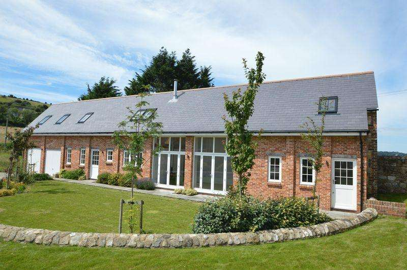 4 Bedrooms Detached House for sale in RURAL BEMBRIDGE