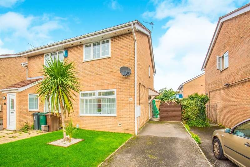 2 Bedrooms Semi Detached House for sale in Brython Drive, St. Mellons, Cardiff