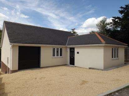 3 Bedrooms Bungalow for sale in Shrewton, Salisbury, Wiltshire