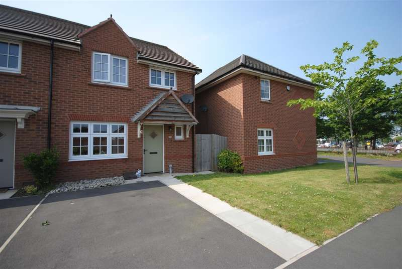3 Bedrooms End Of Terrace House for sale in Chancery Close, Newtown, Wigan