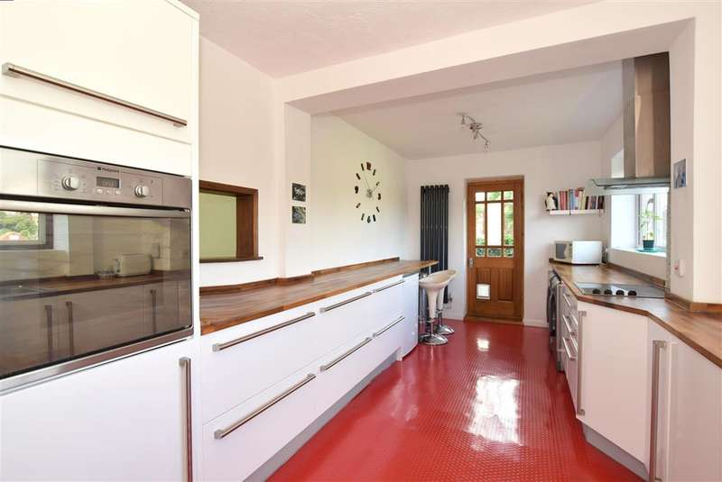 4 Bedrooms Semi Detached House for sale in Dene Vale, Brighton, East Sussex