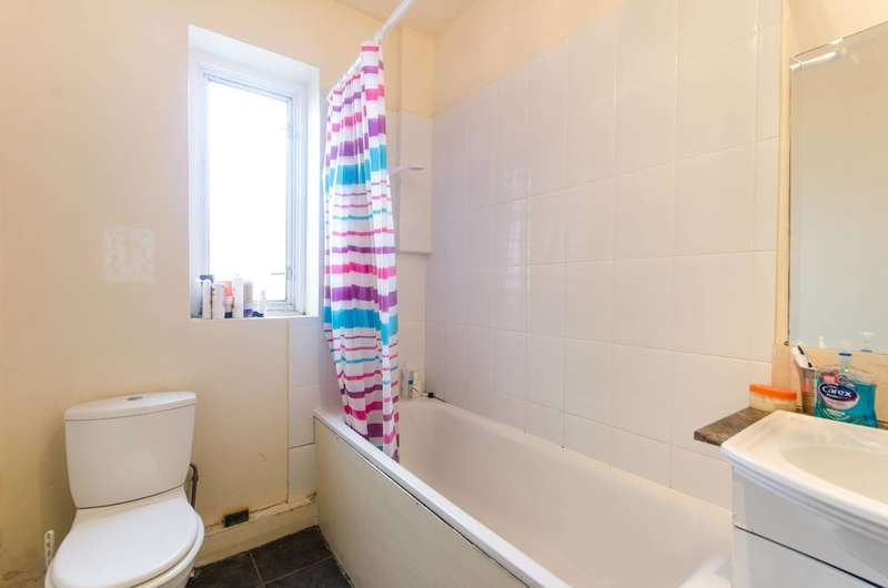 3 Bedrooms Flat for sale in All Souls Avenue, Willesden, NW10