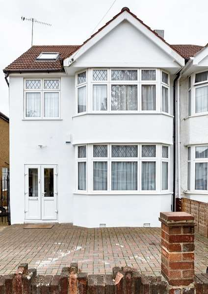 4 Bedrooms Semi Detached House for sale in Lynton Avenue, London, NW9