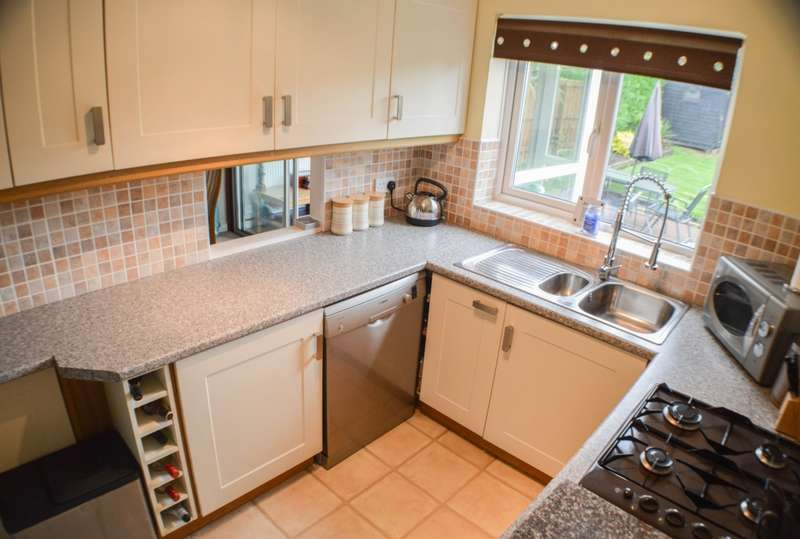 3 Bedrooms House for sale in Moorlands, Prudhoe, NE42