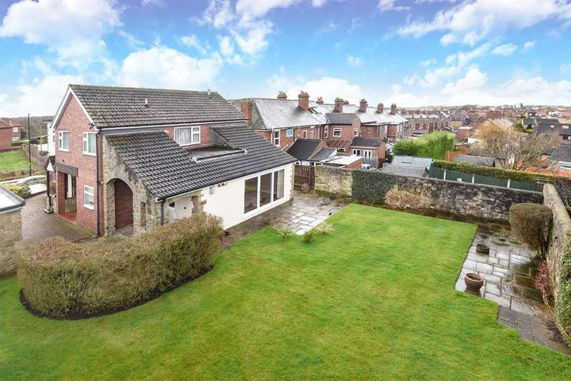 5 Bedrooms Detached House for sale in York Road, Tadcaster, LS24 8AR