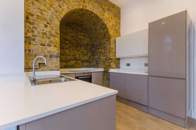 2 Bedrooms Flat for sale in The Old Firestation, Woolwich, SE18