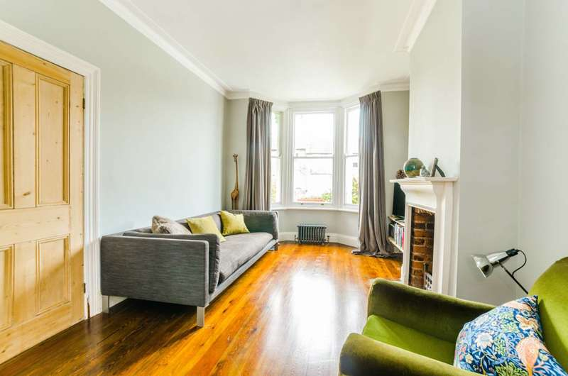 3 Bedrooms House for sale in Gordon Hill, Chase Side, EN2