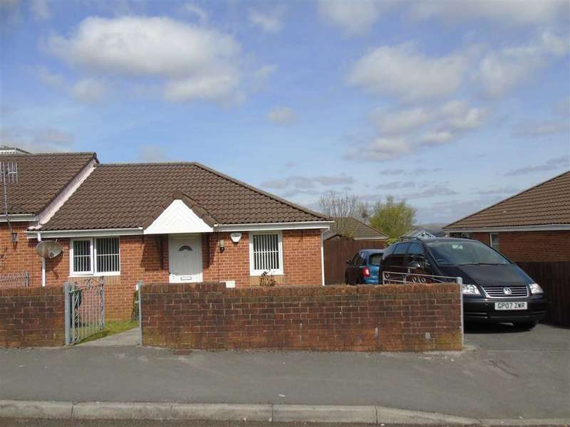 2 Bedrooms Semi Detached Bungalow for sale in Oakwood Avenue, Clase, Swansea