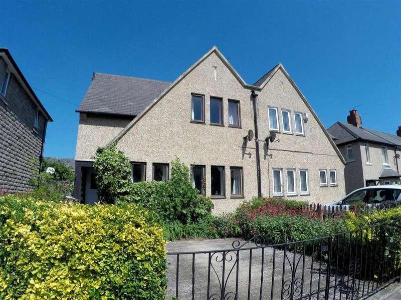 3 Bedrooms Semi Detached House for sale in Bilsmoor Avenue, High Heaton, Newcastle Upon Tyne